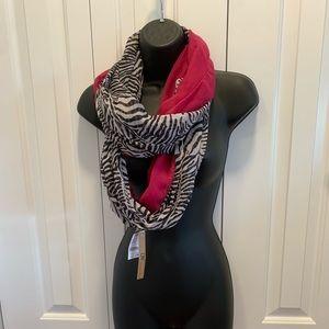 🎊BOGO 50%🎊 NWT pink/ zebra print infinity scarf.